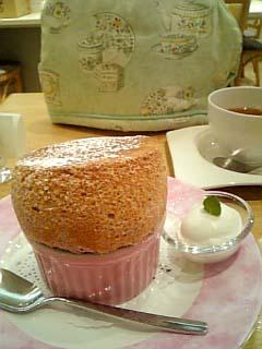 Cafe Raffine フランボワーズスフレ+紅茶