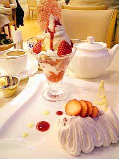 マールブランシュ 苺のモンブラン+ストロベリーショートケーキミニパフェ