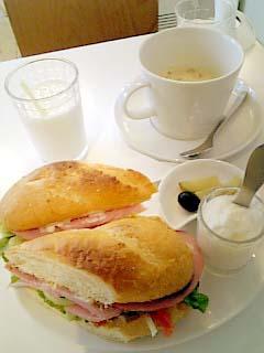 フルーゼハウン サンドイッチとスープのセット