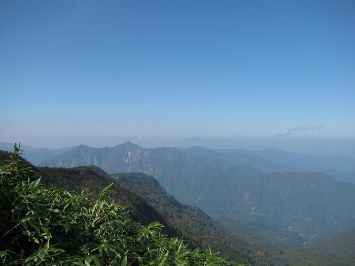 山頂ヒュッテ、見晴台からの眺め