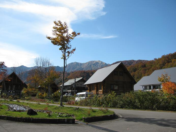 銀山平、白銀の湯から見る駒ケ岳