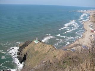 灯台コースから日本海を見渡す