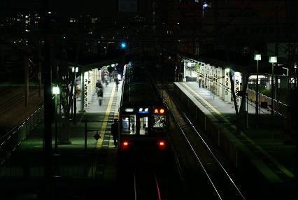 東淀川駅にて