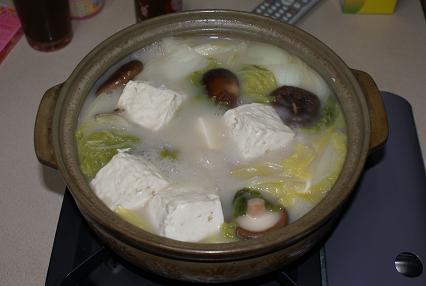 白菜と豆腐のヘルシー白湯鍋