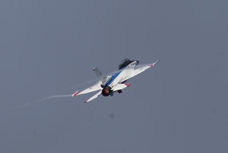戦闘機アクロバット4