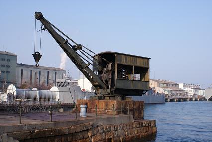 旧海軍魚雷クレーン
