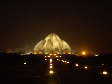 1212lotustemple1.jpg