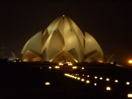 1212lotustemple2.jpg