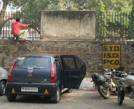 nizamuddin-entrance.jpg