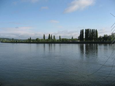 ラ・ブイユ村のセーヌ川