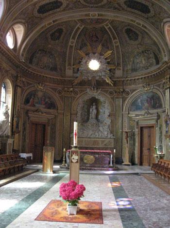 サン・エスプリ教会内部
