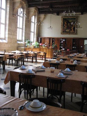 サン・エスプリ教会食堂
