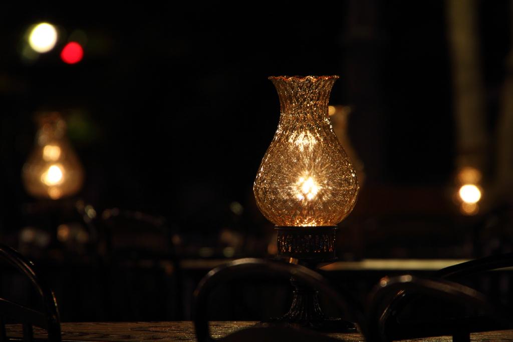 夜のカフェ・オーリンズ