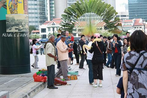 singa_around_city_hall_11.jpg