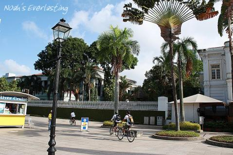 singa_around_city_hall_23.jpg