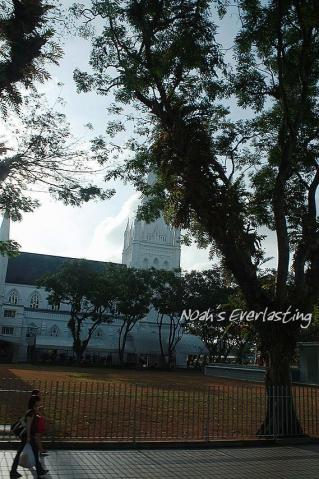 singa_around_city_hall_2_1.jpg