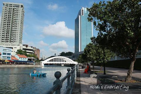 singa_around_city_hall_34.jpg