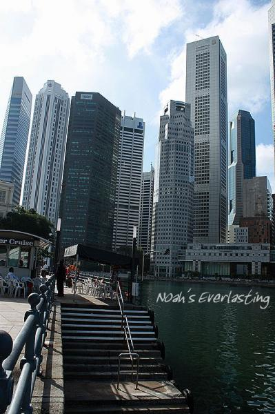 singa_around_city_hall_35.jpg