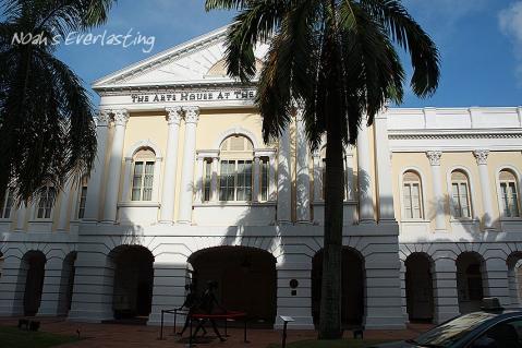 singa_around_city_hall_4.jpg