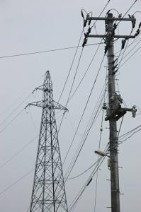 鉄塔から電柱