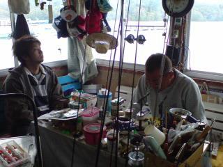 20080511 小屋の掃除に来てくれました