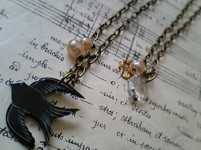 ネックレス(鳥とパール)1
