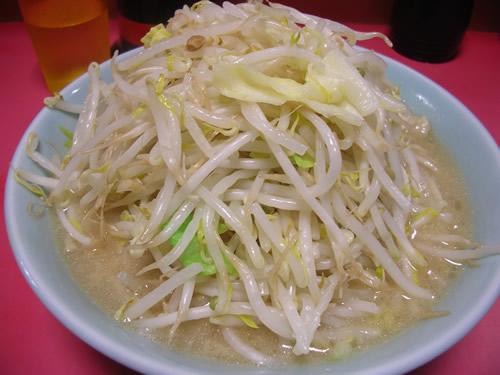 ラーメン 二郎 新宿歌舞伎町店 野菜 やさい ヤサイ にんにく ましまし ニンニク マシマシ カラメ アブラ