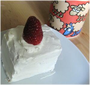 Strawberrycakemn1.jpg
