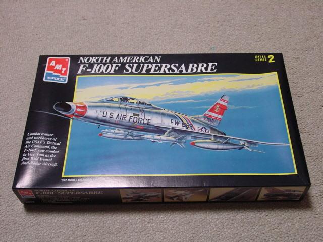 72 F-100F スーパーセイバー 1
