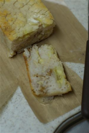 米粉のバナナブレッド 切ったところ