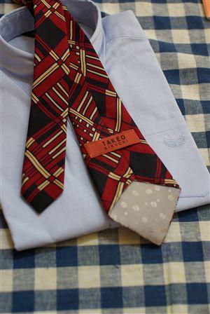 ネクタイの裏
