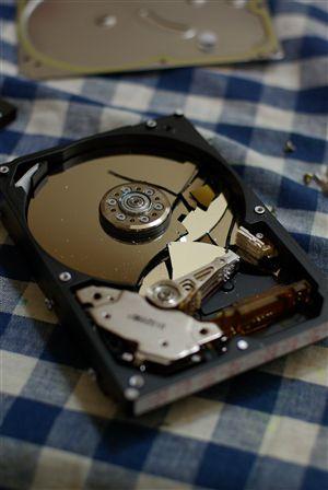 壊れたハードディスク