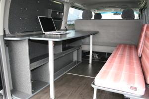 サイドテーブルライフスタイルカー