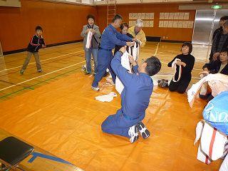 防災訓練三角巾