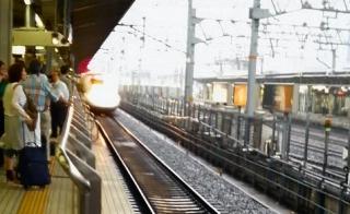 2008062217110000-shinkansen.jpg