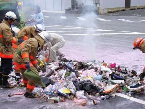 ガスボンベ爆発
