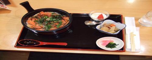 お昼ごはん 鱒のちらし寿司
