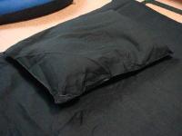 真っ黒な寝具