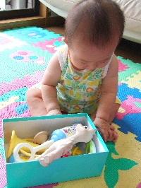 おもちゃを。。