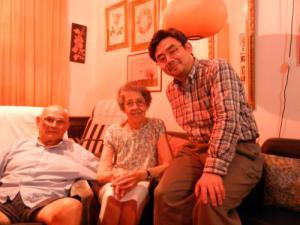 Con los padres de Carlos Aguirre