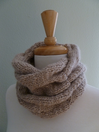 B-inspired cowl