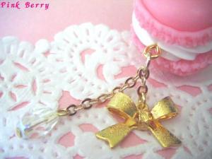 ピンクのマカロン&リボンの薔薇ピアス リボンアップ