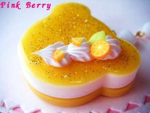 クマちゃんのキラキラ ケーキ(オレンジVer.) 横から