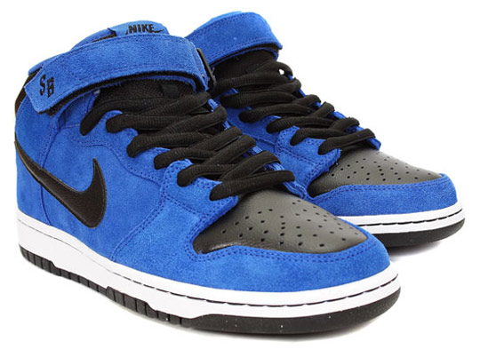Nike-SB-October-2009-Releases-Dunk-Mid-Classic-SB-P-Rod-3-05.jpg