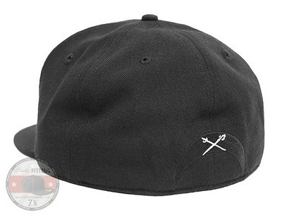 black-scale-fitted-baseball-cap_5.jpg