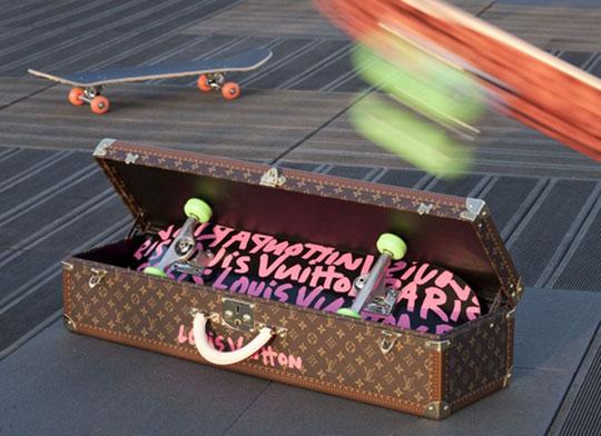 louis-vuitton-stephen-sprouse-graffiti-skateboard-1.jpg