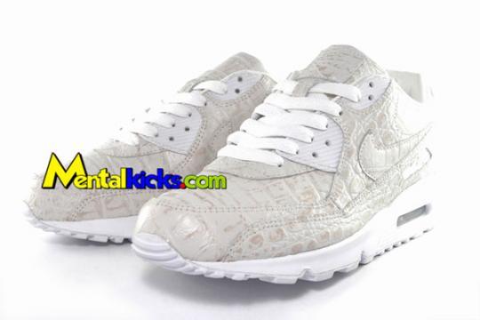 nike-air-max-90-white-croc-skin-3_convert_20090419011406.jpg