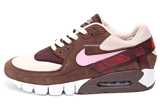 nike-air-max-current-dqm-front.jpeg