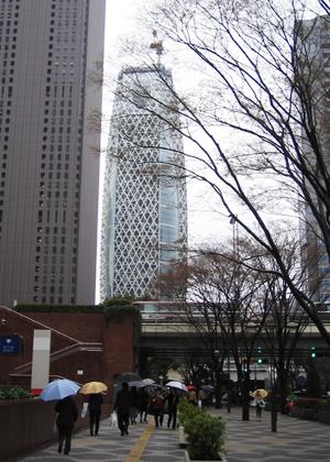 新宿の新しいビル