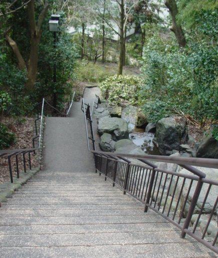 本多の森の階段